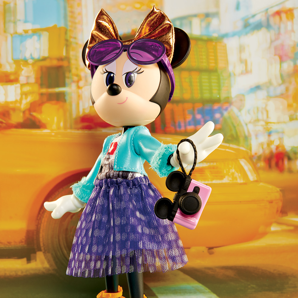 Disney Minnie Mouse City Style Fashion Doll