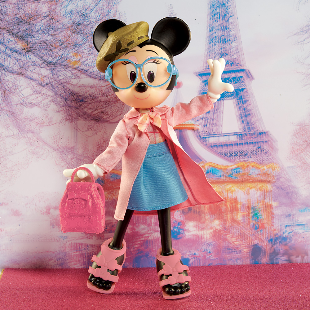 Disney Minnie Mouse  Tres Chic  Fashion Doll